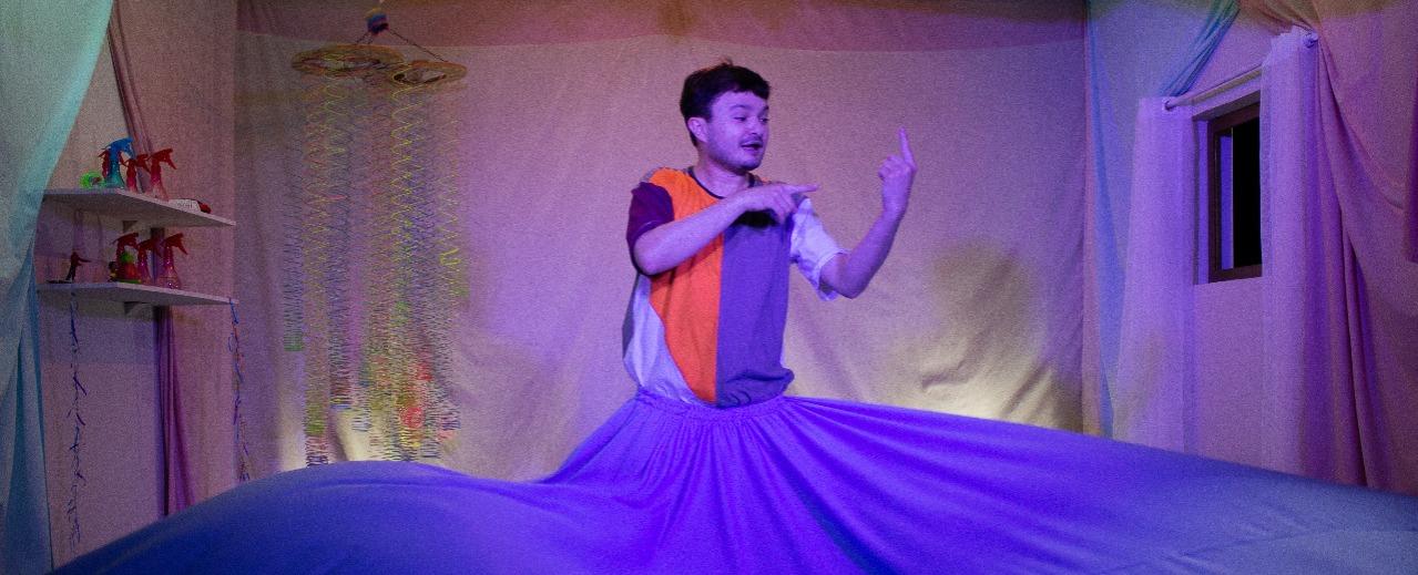 Solo bilíngue para crianças faz cinco apresentações online