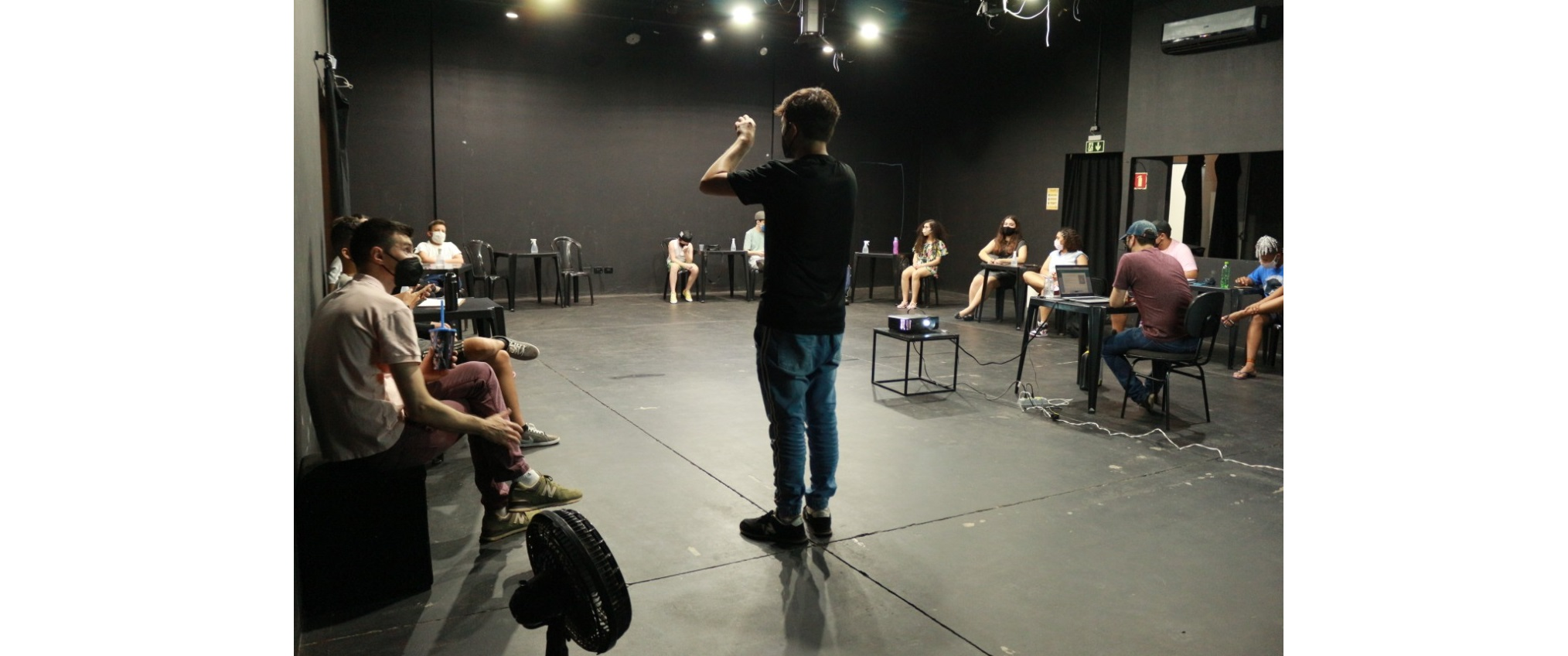 Jovens já estão participando das aulas de produção audiovisual do 'Sobre Nós'
